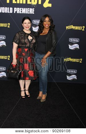 LOS ANGELES - MAY 9:  Alex Borstein, Niecy Nash at the