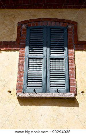 Shutter In  The Milano