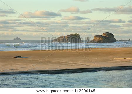 Tillamook Rock Light, Oregon Surf