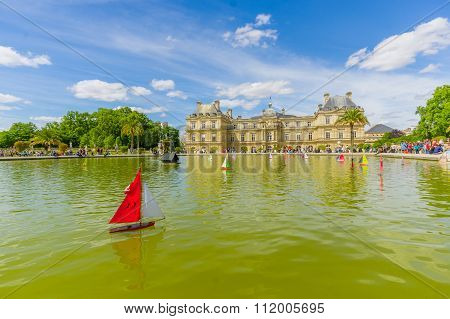 Lake in Luxembourg Palace, Paris, France