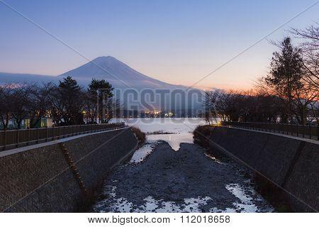 Sunset at Kawaguchi Lake with Mt.Fuji