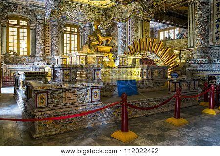 Hue, Vietnam - Circa August 2015: Royal Grave In Imperial Khai Dinh Tomb In Hue,  Vietnam