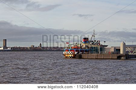 Liverpool Uk, December 16Th 2015. The Mersey Ferry In The Eye-catching Dazzle Design In Honour Of Th