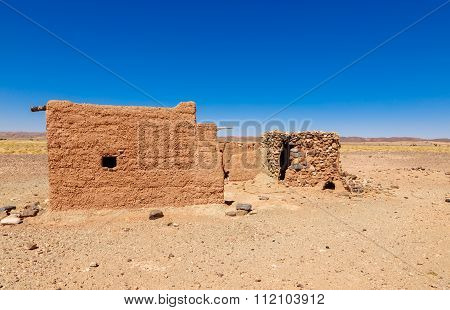 Hut Berber In The Sahara Desert