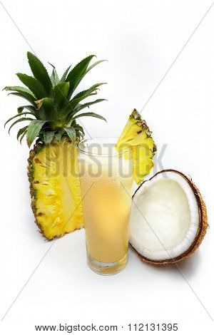 Refreshing pineapple juice with coconut water