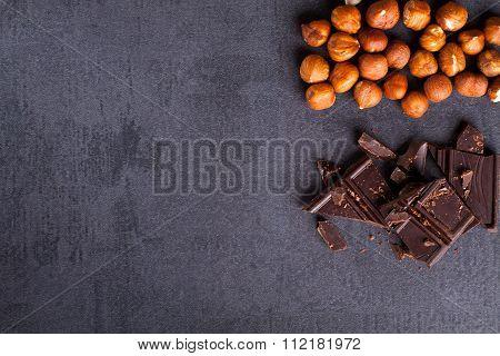 Bitter chocolate and hazelnuts