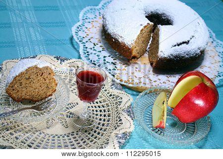 apple cake with homemade  liquor for a treat 3