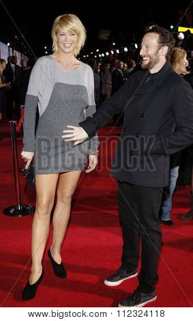 Jenna Elfman and Bodhi Elfman at the World Premiere of