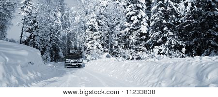 suv, driving through snow