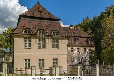 Postal Court, Karlovy Vary