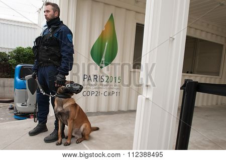 Police dog at climate conference