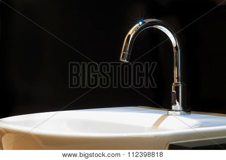 Faucet With Wash Basin