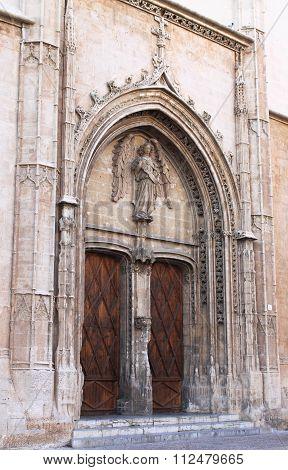 Portal of La Lonja Monument