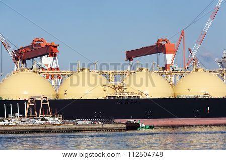 LPG cargo ship