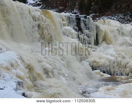 Falls starting to freeze for winter