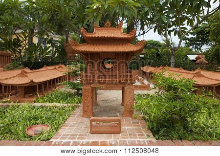 Model of Temple of Literature made from earthenware