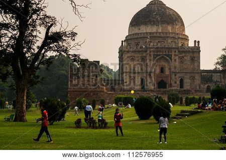 People playing in Lodhi garden deli