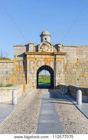 Almeida Entrance