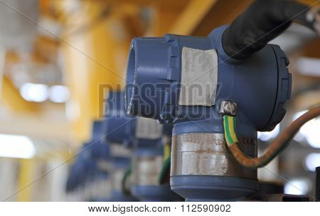 Pressure Transmitter In Oil And Gas Process , Send Signal To Controller And Reading Pressure In The
