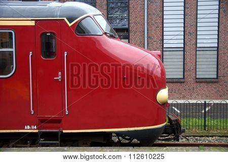 Vintage Dutch electric train Materieel '54 (Mat '54) - side view