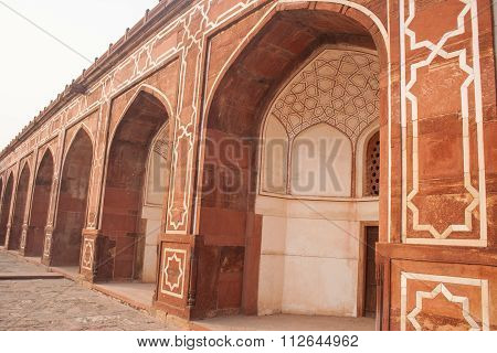 Side On View Of Arches Of Humayuns Tomb