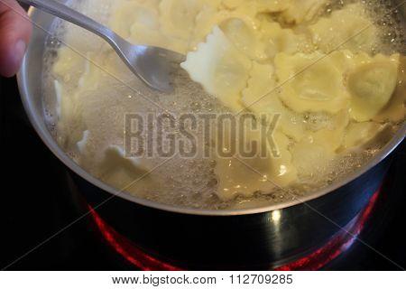 Cooking Raviolis