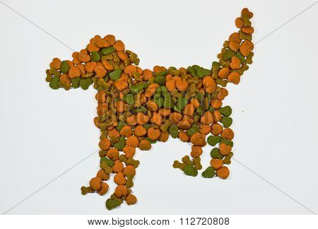 dog food arrange in dog shape