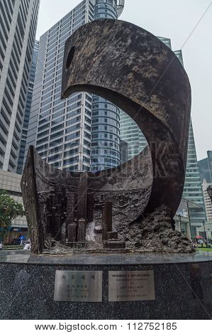 Singapore, Singapore - Circa September 2015: Progress And Advancement Sculpture At Raffles Place,  S