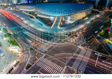 Late Night Traffic Blurs Past Dongdaemun Design Plaza In Seoul , South Korea