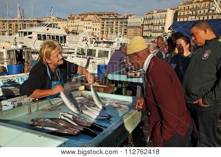 France, Marseille -october 19, 2015: The Buyer At The Fish Market In Marseille. Old Port Of Marseil