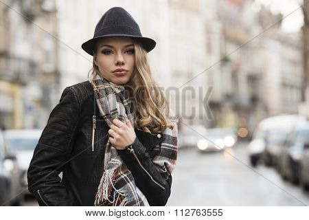 Expressive Sweet Girl In Urban Style