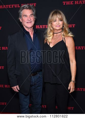 LOS ANGELES - DEC 07:  Kurt Russell & Goldie Hawn arrives to the
