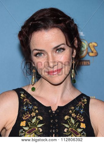LOS ANGELES - DEC 09:  Annie Wersching arrives to the Cirque du Soleil's