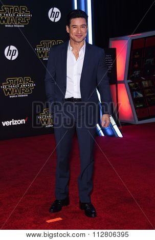 LOS ANGELES - DEC 14:  Mario Lopez arrives to the