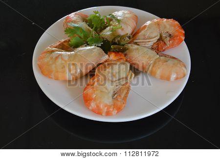 shrimp steamed with Kaffir lime leaf