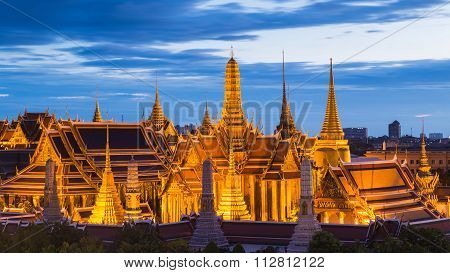 Beautiful of Thailand Grand palace blue sky aftersunset
