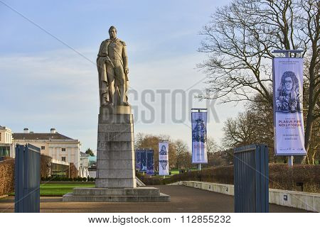 LONDON, UK - DECEMBER 28: Statue of King William VI in Greenwich, outside the Royal Maritime Museum. December 28, 2015 in London.