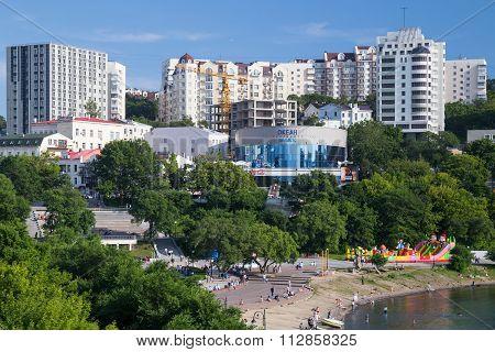 Vladivostok, Russia - Circa August 2015: Panorama Of Seawalk (naberezhnaya) In The Center Of Vladivo