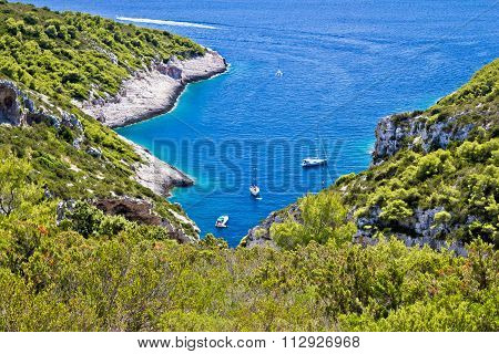 Scenic Sailing Bay On Vis Island