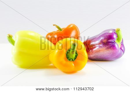 Green Orange Yellow Violet Capsicum Bell Peppe