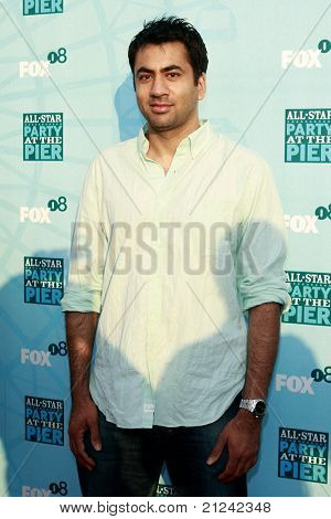 SANTA MONICA - JULY 14: Kal Penn at the Fox TCA Summer Party in Santa Monica, California on July 14, 2008.