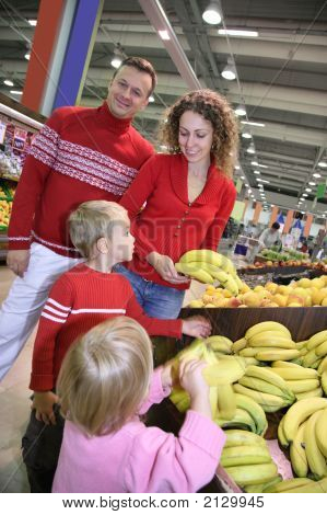 Family In Superstore
