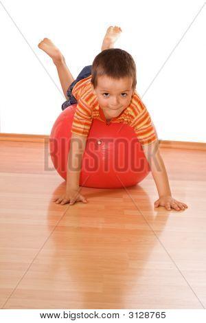 Little Boy hacer gimnasio