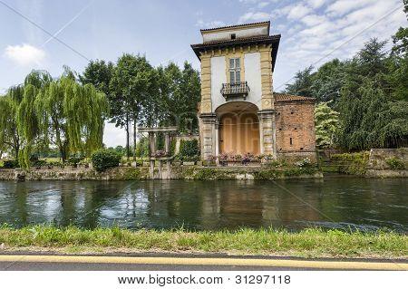 Villa Gaia On The Naviglio Grande