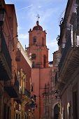 Постер, плакат: Сан Франциско Pink церкви конца улицы Гуанахуато Мексика