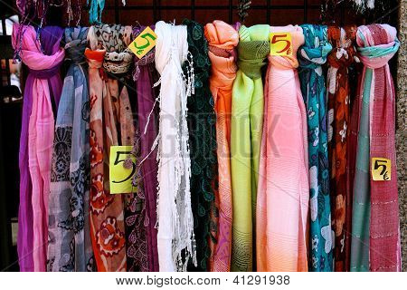 Scarves For Sale In Madrid