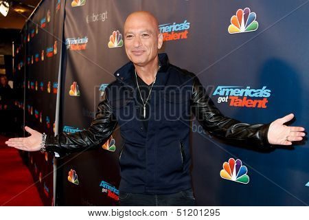 NEW YORK-SEP 11: Judge and comedian Howie Mandel attends the pre-show red carpet for NBC's