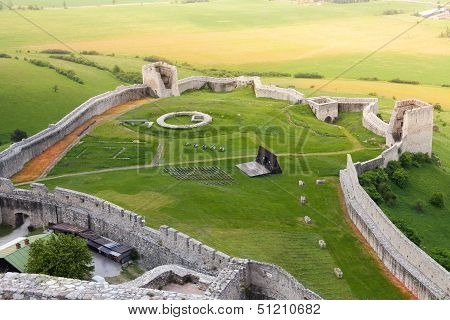Spis Lower Castle Ruins