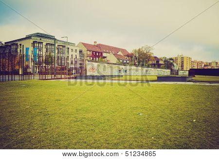 Berlin Wall Retro Look