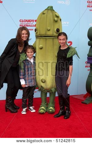 LOS ANGELES - SEP 21:  Amy Brenneman, Bodhi Silberling, Charlotte Tucker Silberling at the